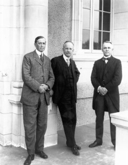 photo of Arthur Amos Noyes, George Ellery Hale, and Robert Andrews Millikan